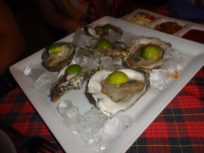 Are these the biggest fresh oysters you've ever seen? Thank you Koh Samui.